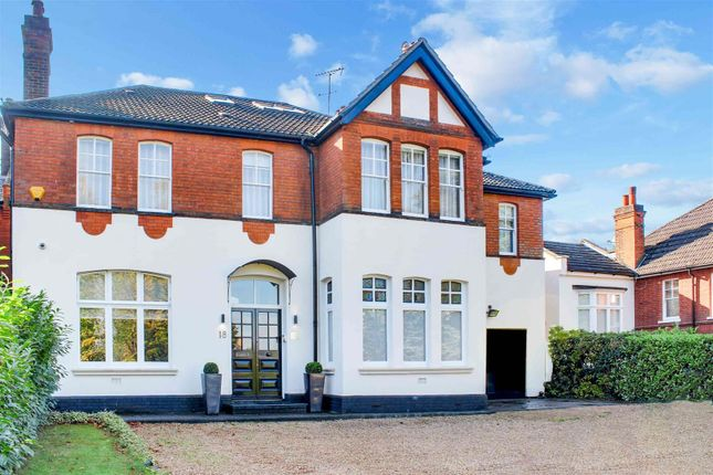 Thumbnail Link-detached house to rent in Crescent East, Barnet