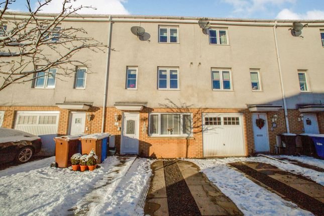 Thumbnail Town house for sale in Queens Crescent, Livingston