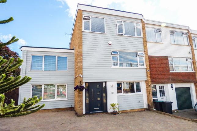 Thumbnail Town house for sale in Elmfield Close, Gravesend, Kent