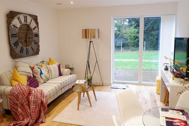 Thumbnail Flat for sale in Park View, Central Avenue, Frinton