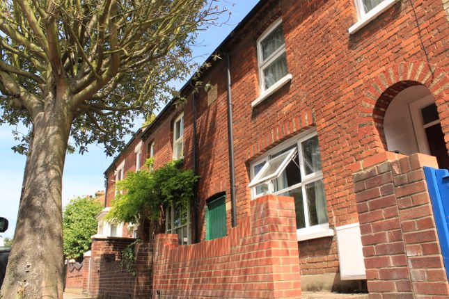 Thumbnail Terraced house to rent in Bower St, Bedford
