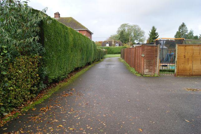 R041 Insert 3 of Garages Adjacent To 211 High Street, Burbage, Marlborough, Wiltshire SN8