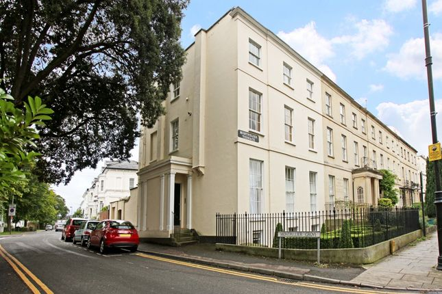 2 bed flat to rent in Montpellier Terrace, Cheltenham