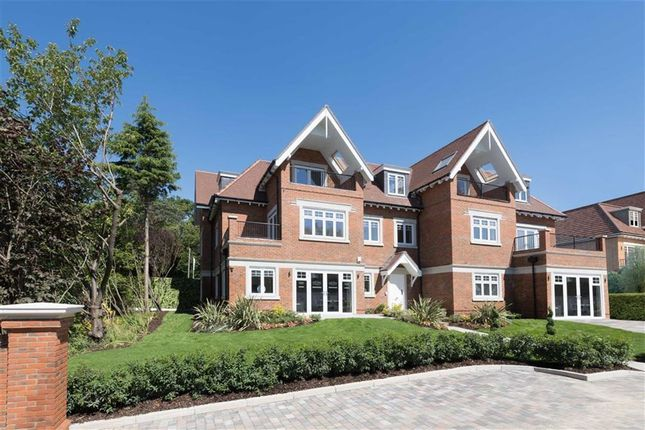 Thumbnail Flat for sale in Manor Wood Gate, Coombehurst Close, Hadley Wood, Hertfordshire