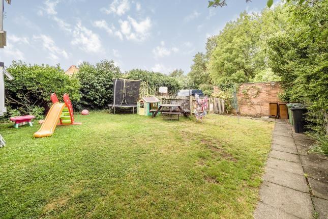 Communal Garden of Heathcote Grove, London E4