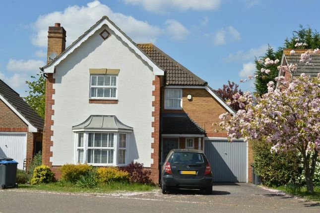 Thumbnail Detached house for sale in Lofthouse Place, Chessington