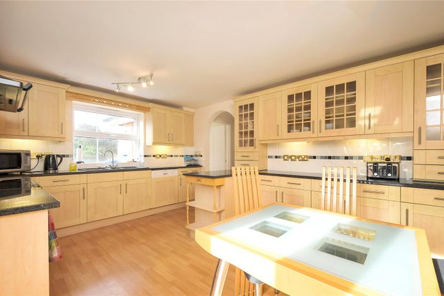 Picture No. 15 of Arbery Way, Arborfield, Reading, Berkshire RG2