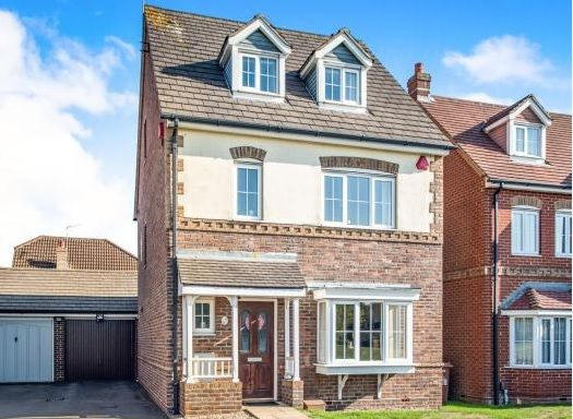 Thumbnail Detached house for sale in Halifax Close, Leavesden, Watford