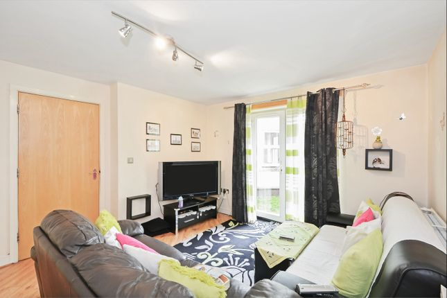 Thumbnail Flat to rent in Pettacre Close, West Thamesmead