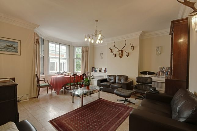 3 bed flat to rent in Palace Mansions, Earsby Street, London
