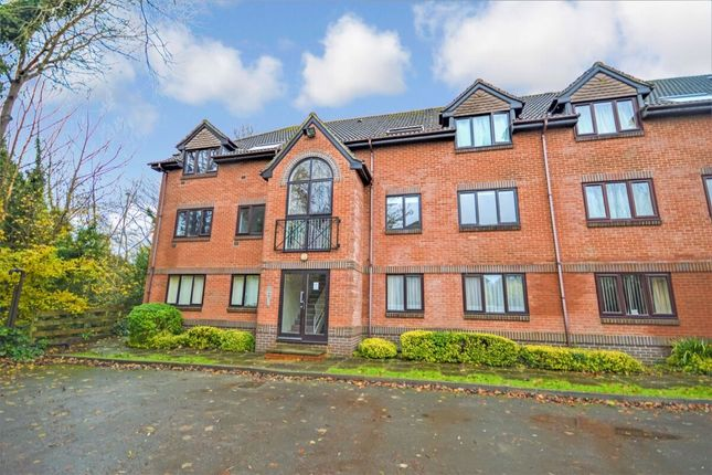 2 bed flat to rent in Heather Drive, Andover SP10