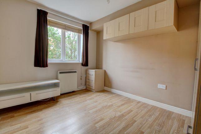 Master Bedroom of Dunlop Close, Dartford DA1