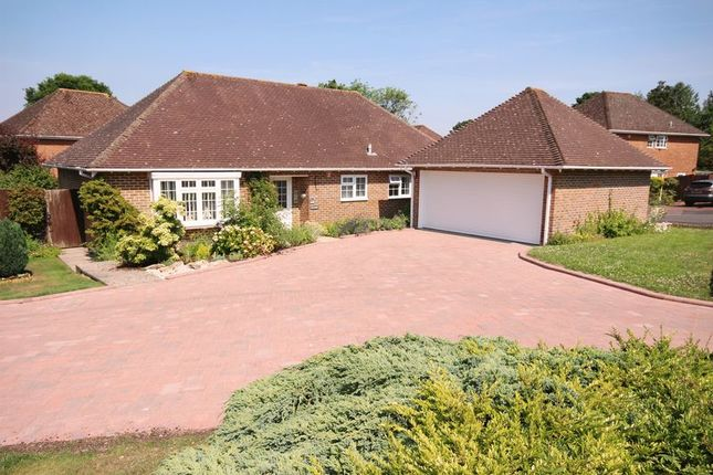 Thumbnail Bungalow for sale in Mountfield, Hythe, Southampton