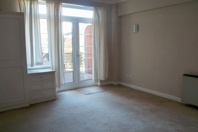 Living Area of Friar Street, Droitwich WR9