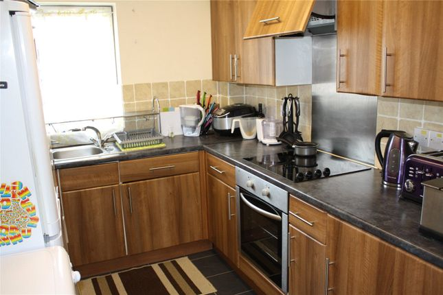 Thumbnail Flat for sale in Bexley Court, Reading, Berkshire