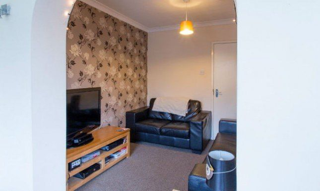 Thumbnail Shared accommodation to rent in The Polygon, Salford