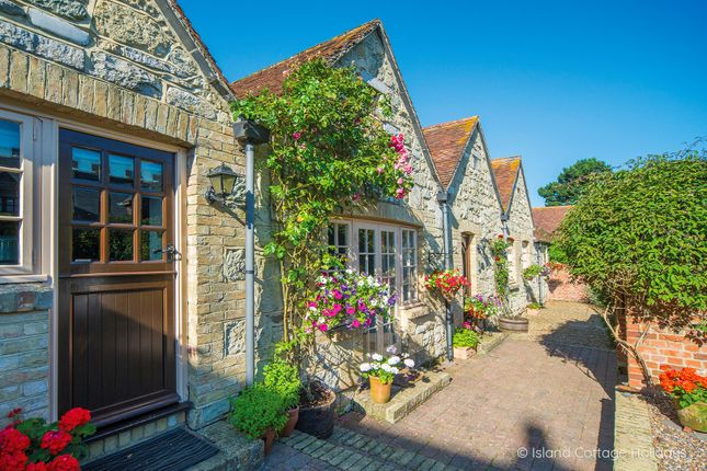 Thumbnail Cottage for sale in Apse Manor Road, Shanklin
