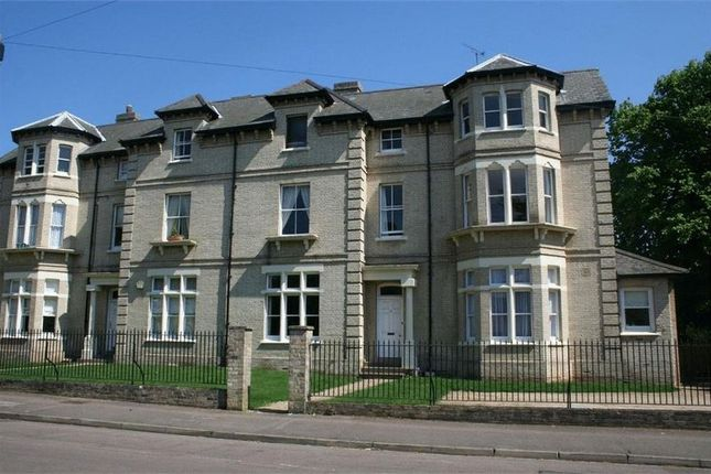 Thumbnail Flat for sale in Victoria Road, Colchester