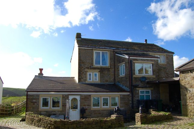 Thumbnail Farmhouse for sale in Quickedge Road, Mossley