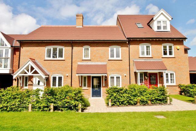 Thumbnail Property to rent in Heydon Way, Wickhurst Green, Broadbridge Heath