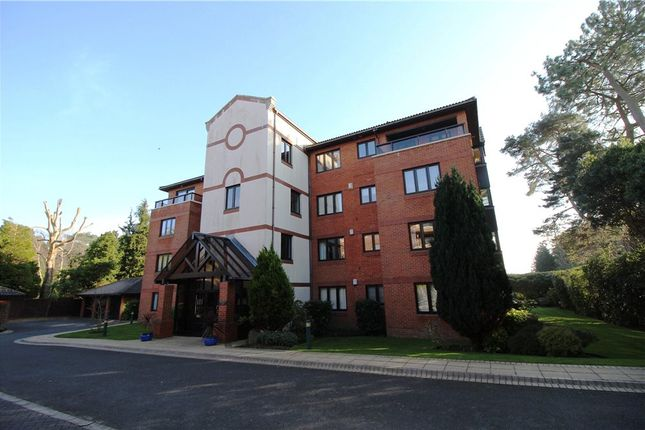 3 bed flat for sale in Canford Cliffs, Poole, Dorset