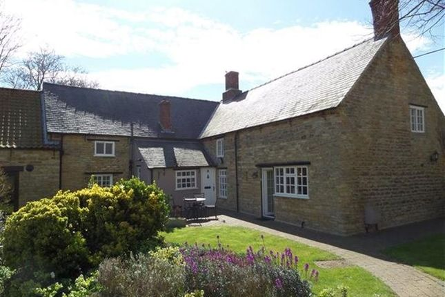 Thumbnail Cottage to rent in High Street, Waddington, Lincoln