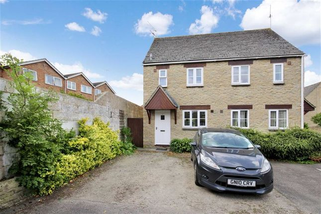 Thumbnail Terraced house to rent in Nichol Court, Faringdon, Oxfordshire