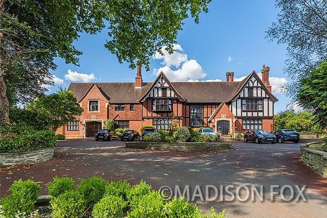 Thumbnail Flat for sale in Barton Friars, Courtland Estate, Chigwell