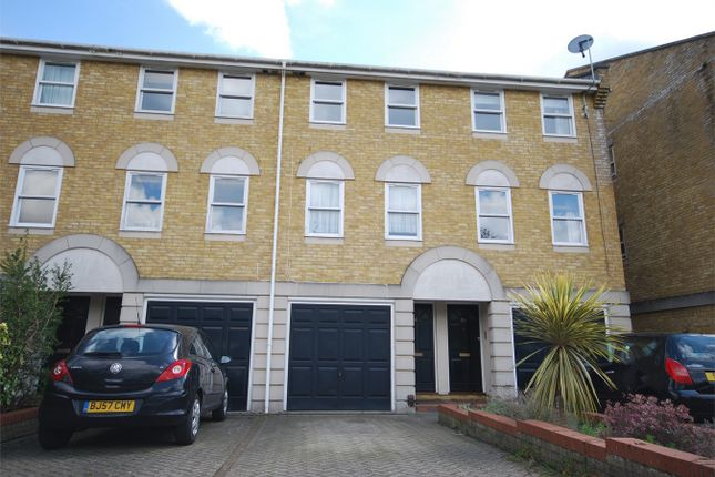 Thumbnail Terraced house to rent in Vicarage Drive, Beckenham, Kent