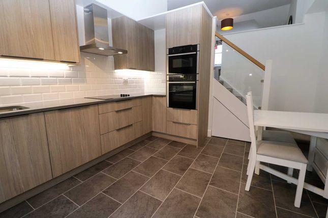 Thumbnail Flat to rent in Aubrey Road, London