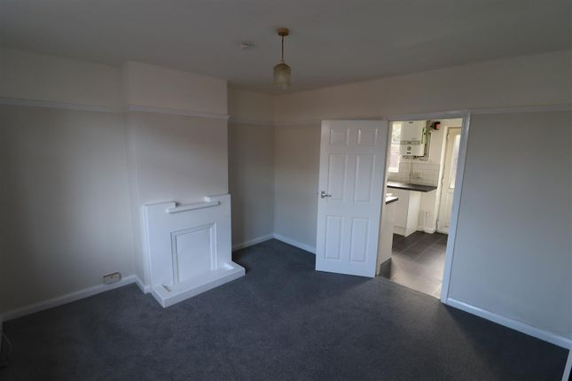 2 bed end terrace house to rent in Kent Road, Reading, Berkshire RG30