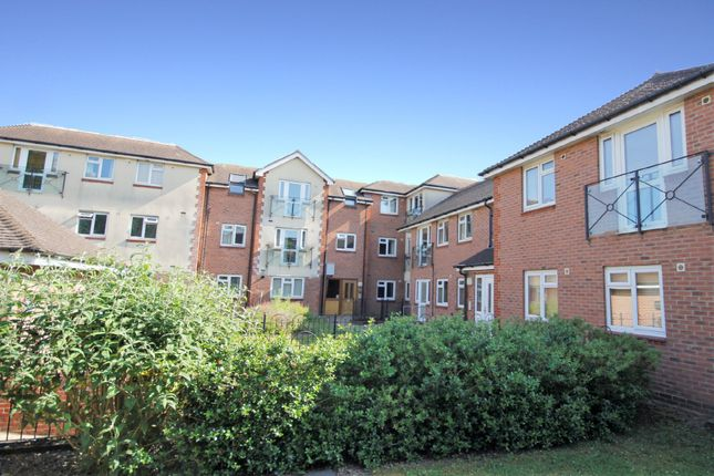 1 bed flat to rent in Botley Road, Park Gate, Southampton SO31