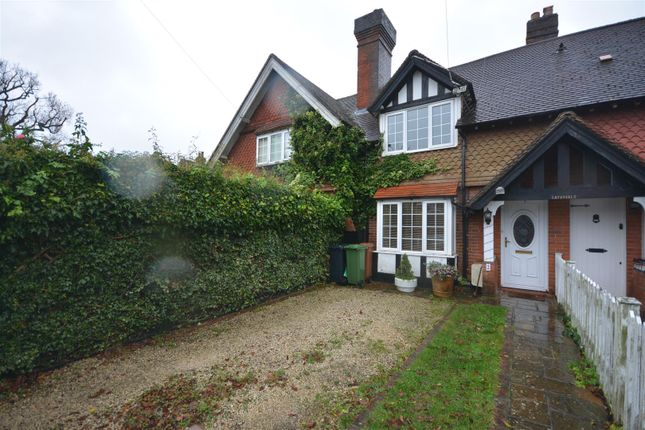 2 bed terraced house for sale in High Road, Chipstead, Coulsdon CR5