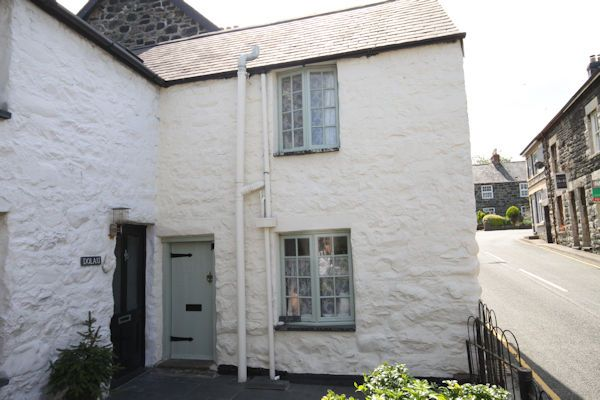 Thumbnail Cottage for sale in Gwalia, Llwyngwril