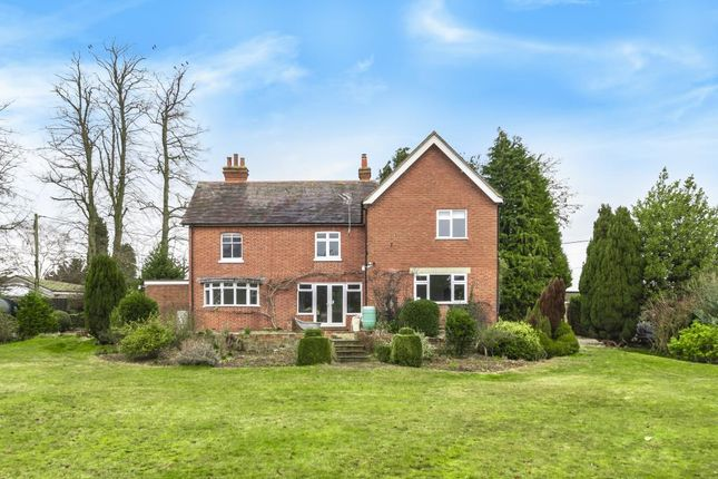 Thumbnail Detached house to rent in Brimpton, Berkshire