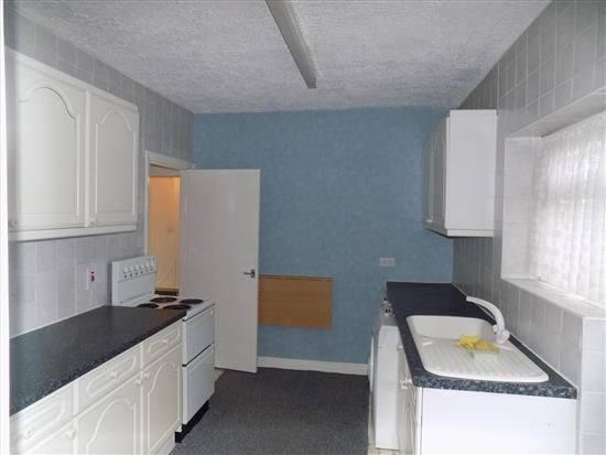 Thumbnail Flat to rent in Leyland Road, Penwortham, Preston