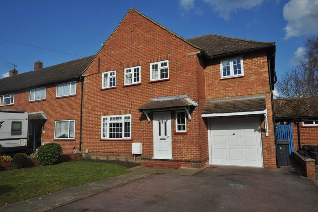 Thumbnail Property to rent in Hornbeam Road, Guildford