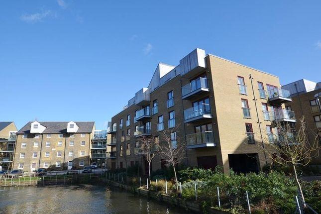 Flat to rent in Kings Mill Way, Uxbridge