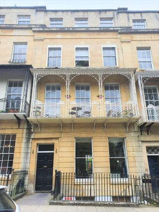 1 bed flat to rent in Caledonia Place, Clifton, Bristol BS8