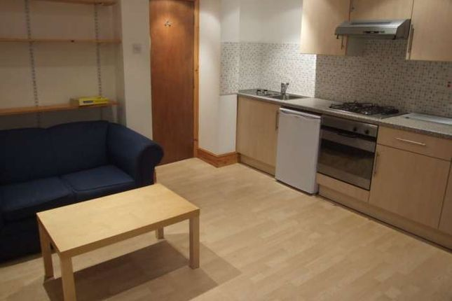 Flat to rent in The Court, Newport Road, Roath, Cardiff