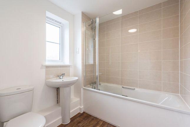 2 bedroom flat for sale in Shetland Close, Cranleigh