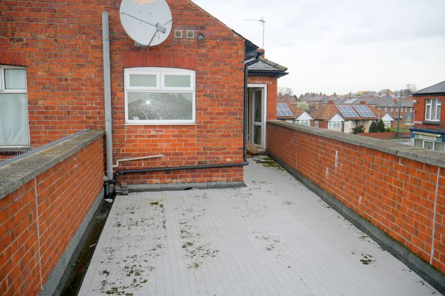 2 bed flat to rent in Grange View, Houghton Road, Thurnscoe, Rotherham S63