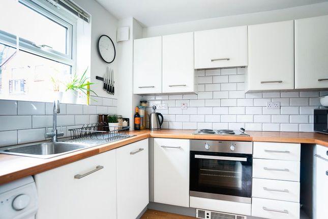 Kitchen of Wilfred Owen Close, Shrewsbury SY2