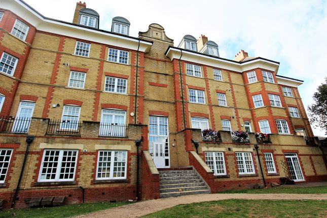 Thumbnail Flat for sale in Donovan Place, Winchmore Hill, London