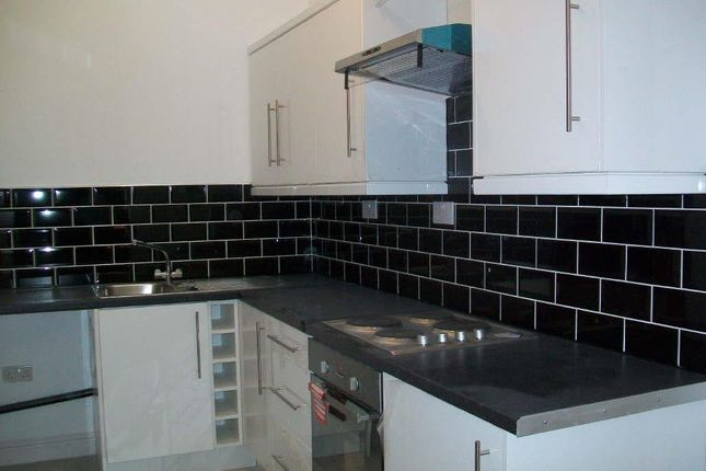 Thumbnail Flat to rent in Farmside Place, Levenshulme, Manchester