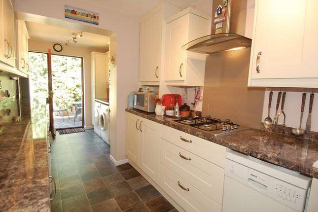 Kitchen of Dashwood Avenue, Yarnton, Kidlington OX5