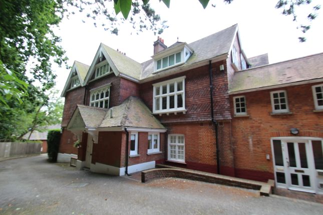Thumbnail Flat to rent in Manor Park, Chislehurst