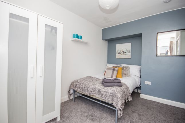 Thumbnail Room to rent in The Mount, Coventry