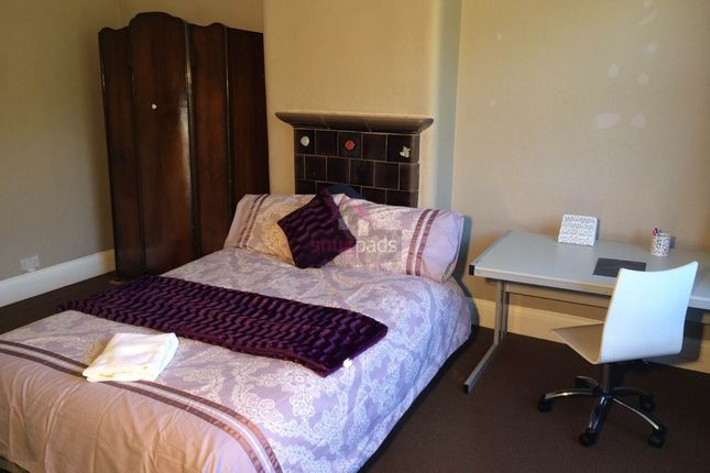 Thumbnail Property to rent in Bolton Road, Salford, Manchester