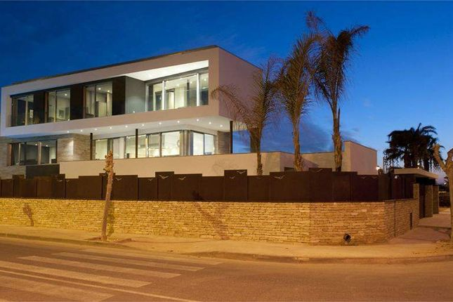 Thumbnail Villa for sale in Avenida De La Torre, 03190 Pilar De La Horadada, Alicante, Spain